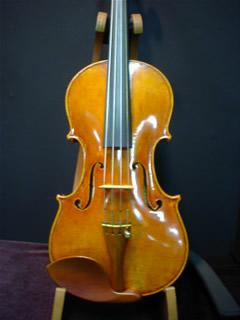 朝光利明さんのヴァイオリン